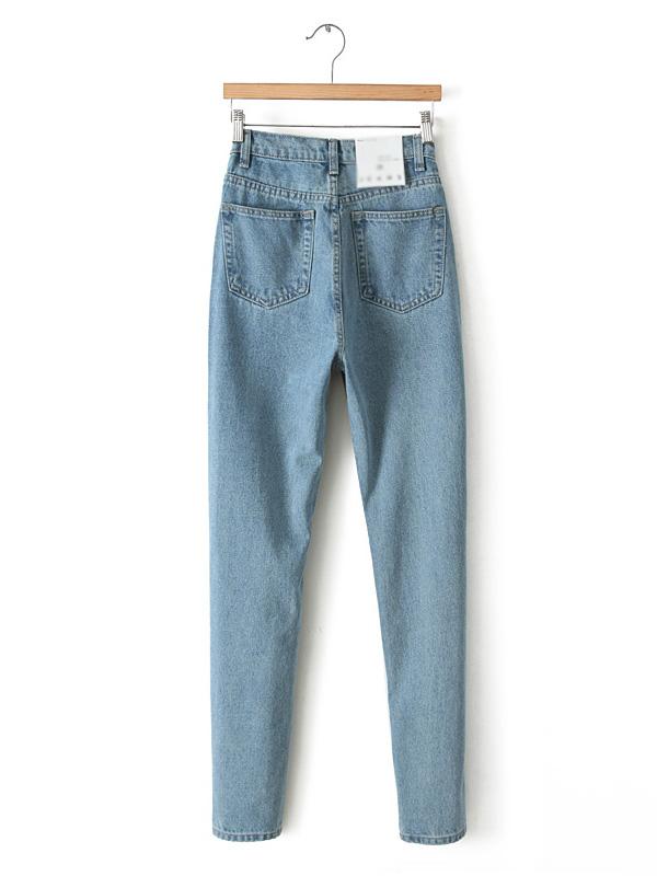 Light blue vintage high waisted jeans