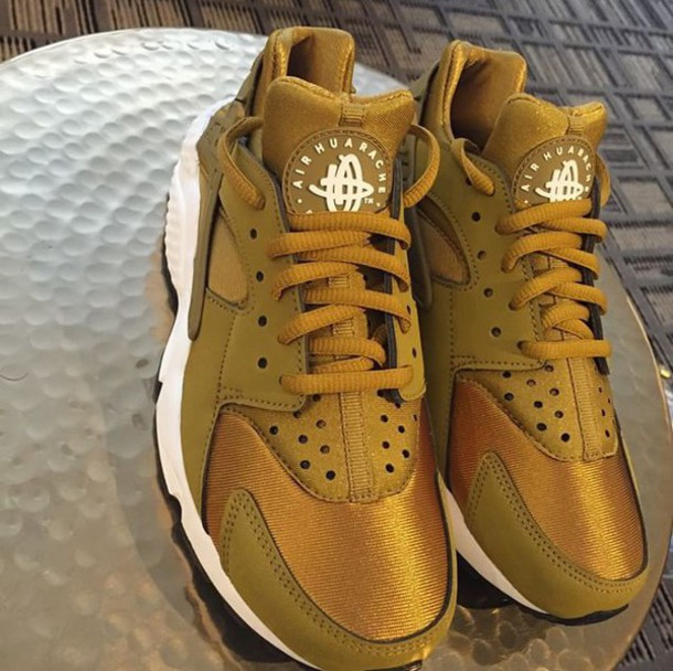 nike huarache gold and white