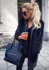 coat,black,fur,jacket,long,fluffy,winter outfits,blonde hair,fashion,outfit,cold,bag,leather,sunglasses,scarf,celine bag,celine black bag,black coat,fur coat,faux fur coat,girl,cozy,skinny jeans,tumblr outfit,top,jeans,celine