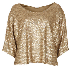 VILA Prudence Gold Sequin Top - Celebrities who wear, use, or own VILA Prudence Gold Sequin Top / Coolspotters