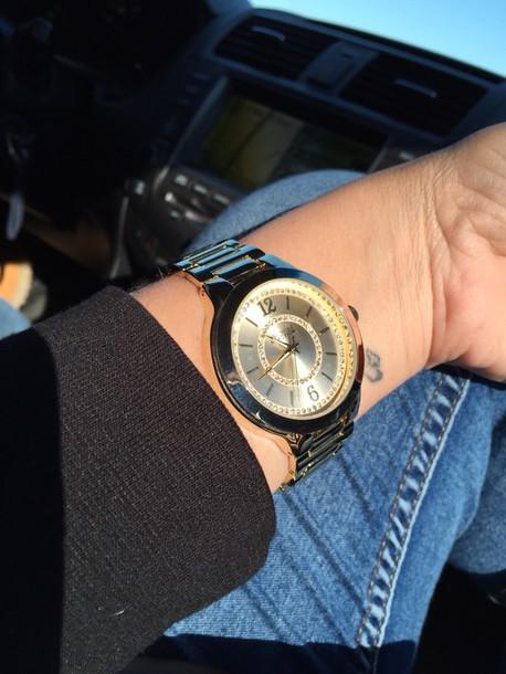 hair accessory watch