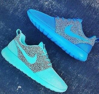 shoes fashion nike air max run sportswear beautiful sneakers neon freshtops roshe runs outfit