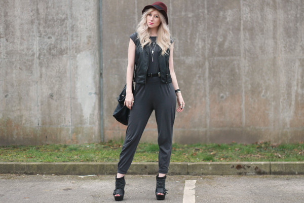 saraluxe pants jewels hat belt shoes