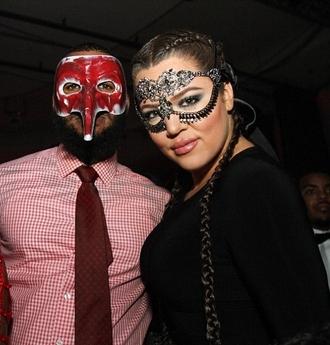 make-up mask khloe kardashian