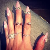 jewels,ring,gold,heart,diamonds,pink,fingers,knuckle ring,gold mid finger rings,nail accessories,stylish,nails,ring set,nail polish,rings and tings