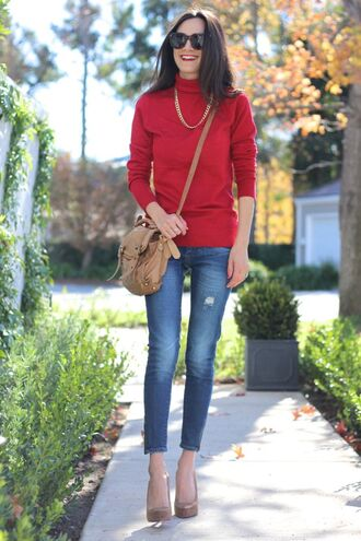 frankie hearts fashion blogger red sweater ripped jeans satchel bag
