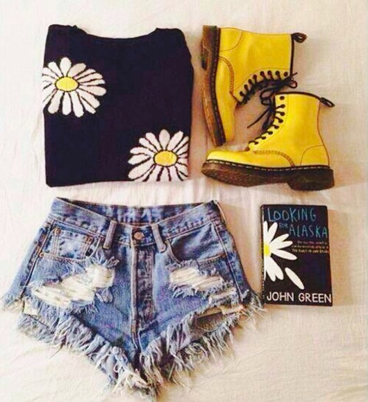shoes black DrMartens combat boots sweater john green denim cut offs ripped shorts ripped shorts cut off shorts daisys colorful docs drmartens bright yellow looking for alaska t-shirt