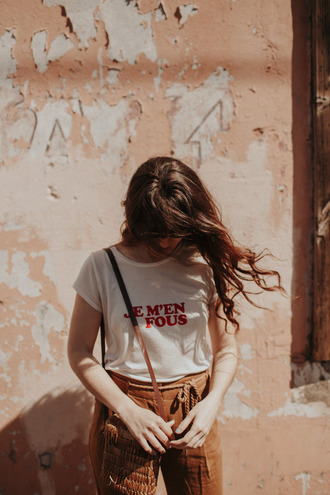 t-shirt blogger blogger style graphic tee summer bag high waisted high waisted trousers