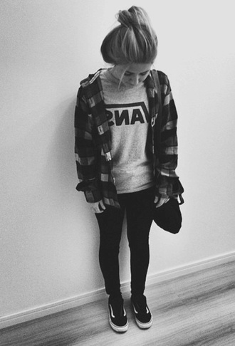 blouse vans hipster cool girl style summer urban outfitters t-shirt vans authentic shirt