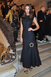 dress,black dress,gown,prom dress,emily ratajkowski,sandals,model off-duty,Paris Fashion Week 2017