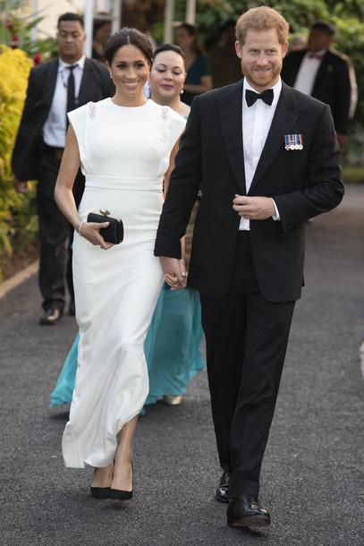 Bag Clutch Black Clutch Gown White White Dress Wedding Dress