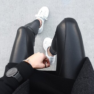 pants leather pants leather leggings black jeans black pants black leather pants cool cool pants skinny skinny pants leggings jeans sneakers white shoes tumblr outfit black watch bag jumpsuit