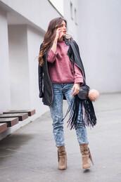 ist by ingrid,blogger,light blue jeans,burgundy sweater,leather jacket,fringed bag,black bag,shoulder bag,boots