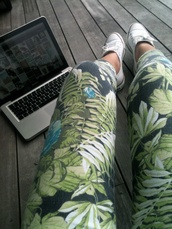 pants,leggings,flowers,jeans,tropical,printed leggings,printed pants,floral pants,green,boho,cute,leaves,colorful leggings,chuck taylor all stars,swag,jungle,sweet,floral,tumblr,girl,leaves print,green pants,palmes