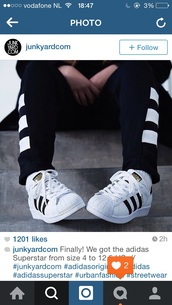 shoes,adidas,superstar,black,instagram,sporty,tumblr,black and white