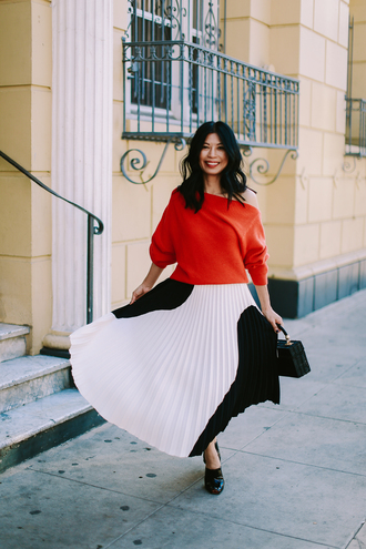 mamainheels blogger sweater skirt bag shoes red sweater pleated skirt black and white skirt spring outfits