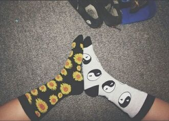 socks flowers black white tumblr yin yang