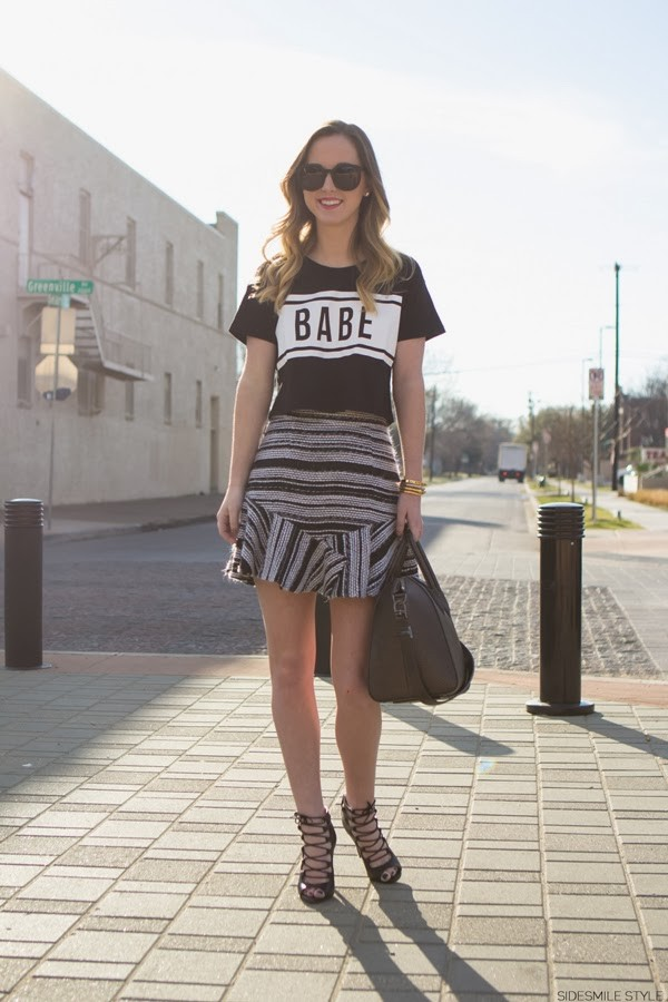 side smile style t-shirt skirt bag jewels shoes sunglasses