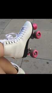 shoes,boots,roller skates
