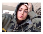 kylie jenner,hoodie,camouflage,sweater