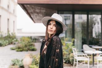 the golden diamonds blogger cardigan top shoes skirt hat