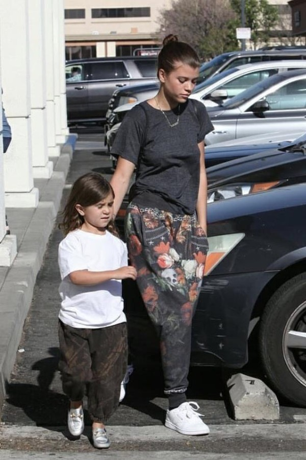 shoes pants sofia richie streetstyle casual top