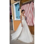 dress,sweep train,wedding dress,sweet,tulle dress,ivory dress