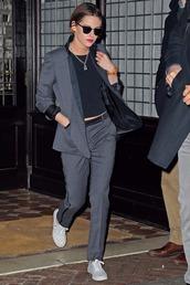 jacket,tuxedo,kristen stewart,sneakers
