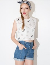 top,cute,summer,summer top,spring top,sleeveless,crop tops,crop,black and white,printed top,shell,seashell top,starfish,pixie market,pixie market girl