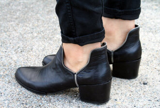shoes black shoes black grunge flat grunge shoes shoes winter boots leather blackboots black leather boots ankleboots chelsea boots
