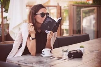 frassy blogger sunglasses white jacket cream