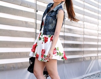 dress white red flowers roses summer shoes red converse red sneakers sneakers converse low top sneakers mini dress a line dress floral dress vest denim vest sunglasses black sunglasses spring outfits bag black bag blogger