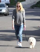 sweater,dakota fanning,fall outfits,boyfriend jeans,jeans