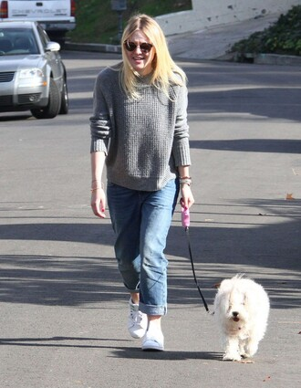 sweater dakota fanning fall outfits boyfriend jeans jeans