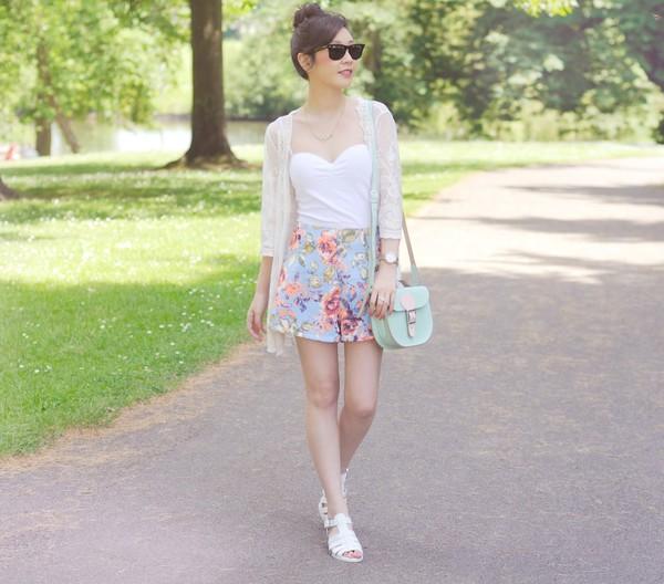 temporary secretary shorts bag tank top top shoes jewels sunglasses flowered shorts
