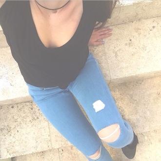 jeans blue jeans choker necklace skinny jeans skinny pants black t-shirt t-shirt