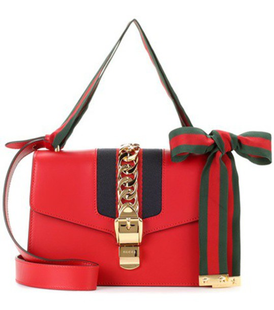 Gucci Sylvie leather shoulder bag in red