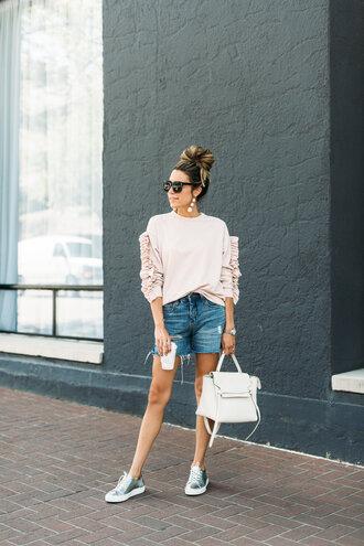 hello fashion blogger shoes sweater jewels belt bag sunglasses