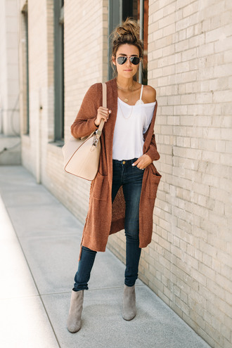 hello fashion blogger cardigan t-shirt shoes bag jewels fall outfits ankle boots shoulder bag