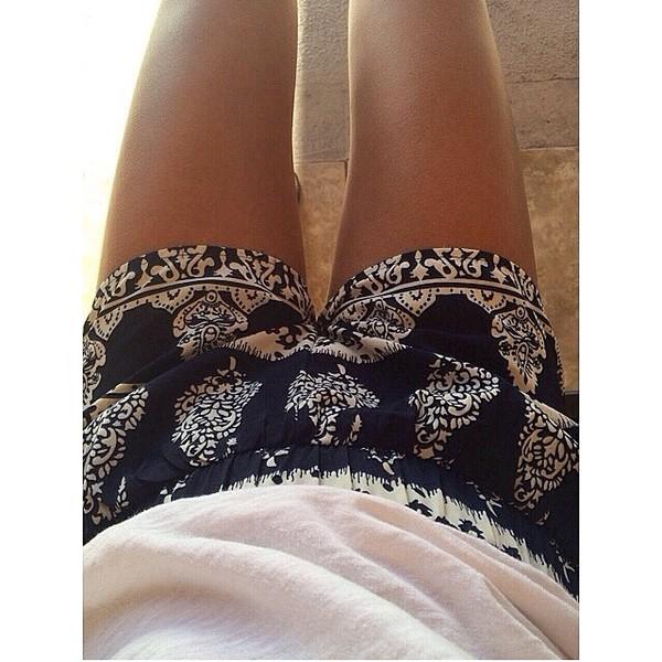 shorts print summer beach tumblr b&w instagram teenagers