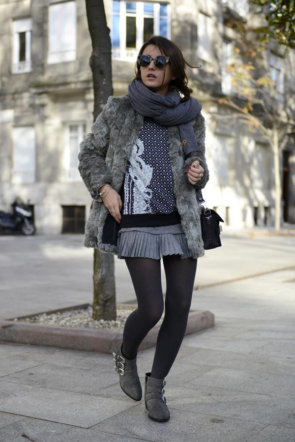 lovely pepa sweater shoes skirt bag jewels