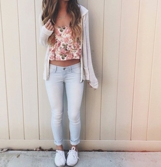 t-shirt pants skinnyjeans white denim shirt floral crop tops necklace cardigan tan spring summer winter outfits fall outfits cute tumblr