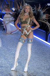 shoes,tights,romee strijd,model,lingerie set,bra,panties,runway,victoria's secret,victoria's secret model