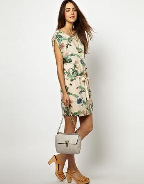 Maison Scotch | Maison Scotch – Kleid mit tropischem Muster bei ASOS