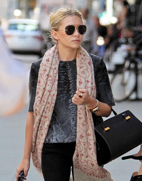 olsen sisters blogger scarf t-shirt bag
