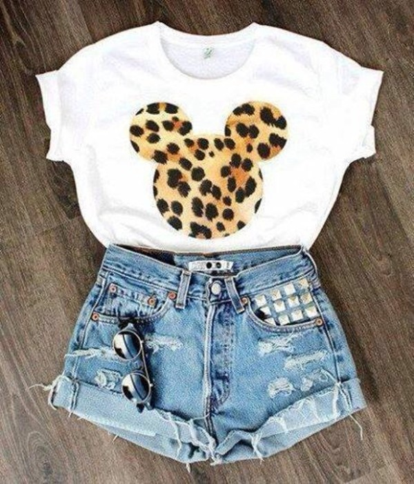 blouse shirt disney mouse leopard print print shorts top crop tops leapord print t-shirt mickey mouse leopard print ripped shorts white t-shirt cheetahmickey jeans embellished torn shorts batoko www.batoko.com white short sleeve leopard print denim shorts studs mickey and minnie tee leopard print tee mickey mouse shirt sunglasses white and cheetah