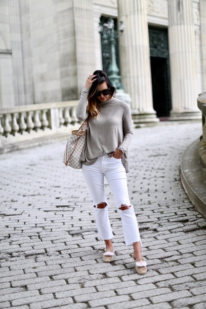 sweater tumblr nude sweater denim jeans white jeans ripped jeans cropped jeans shoes flats bag sunglasses