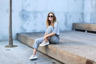 clochet blogger jumpsuit shoes grey jumpsuit sneakers