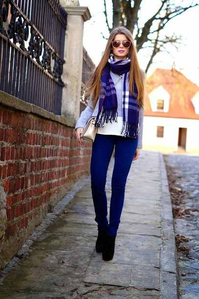 only my fashion style blogger blouse jeans scarf bag