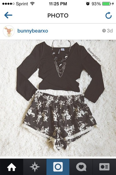 cute flowy shorts black floral shorts floral girly tumblr shorts